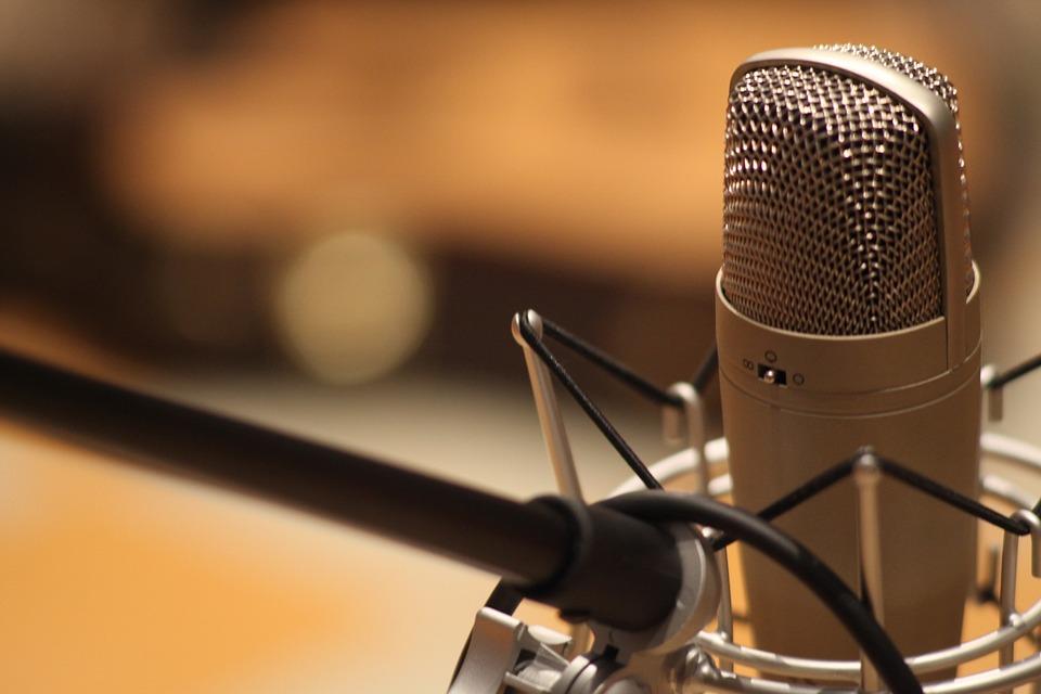 microphone-1003561_960_720