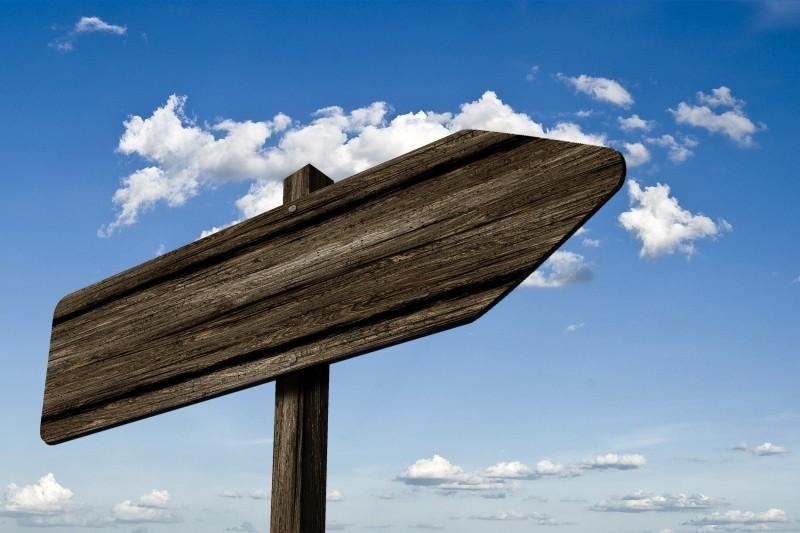 directory-signposts-wood-grain-board-shield