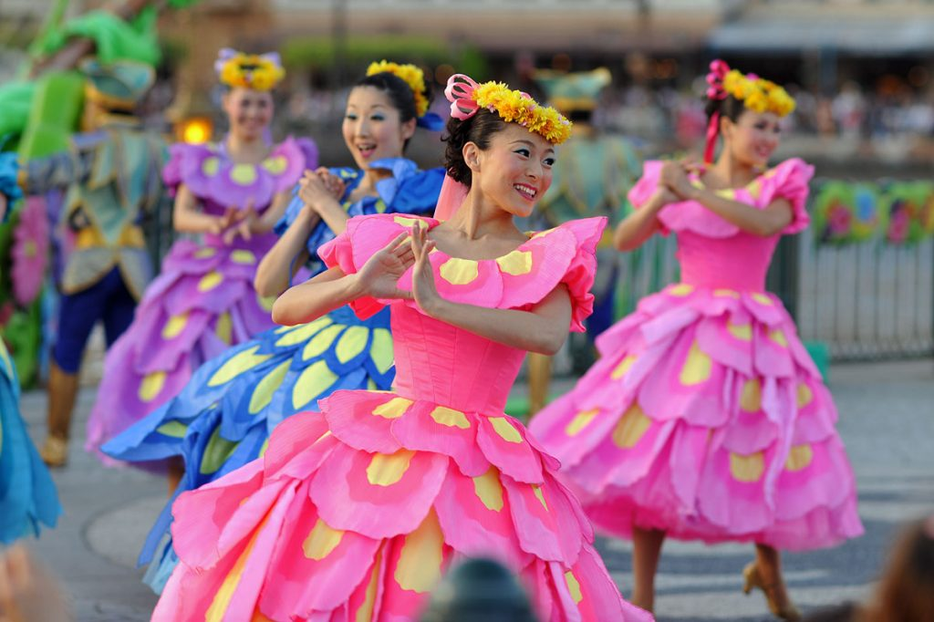 disney_sea_dancers_1