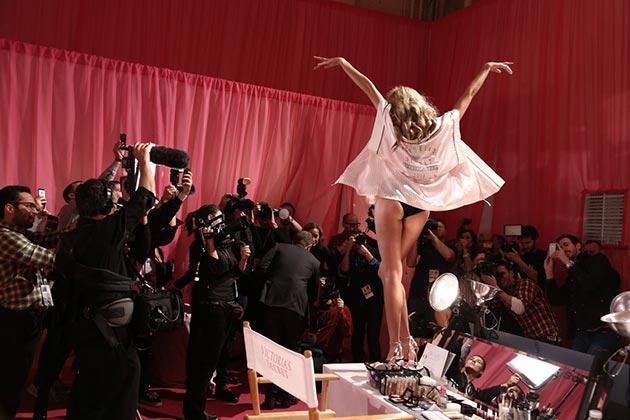Victorias_Secret_Fashion_Show_2013_2014_backstage1