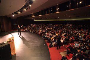 Ashton_Kutcher_talks_at_Startup_School