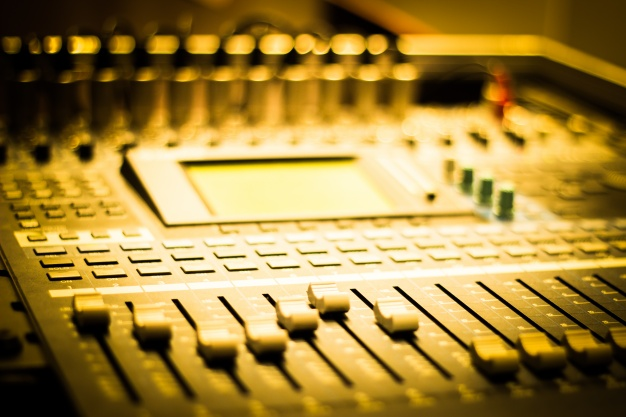 close-up-of-sound-mixer-with-buttons_1206-2