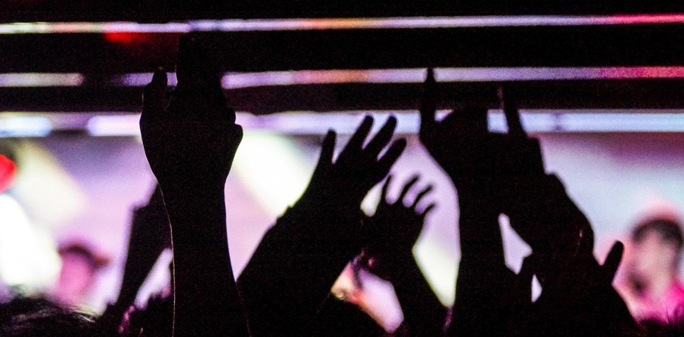 idolのステージ